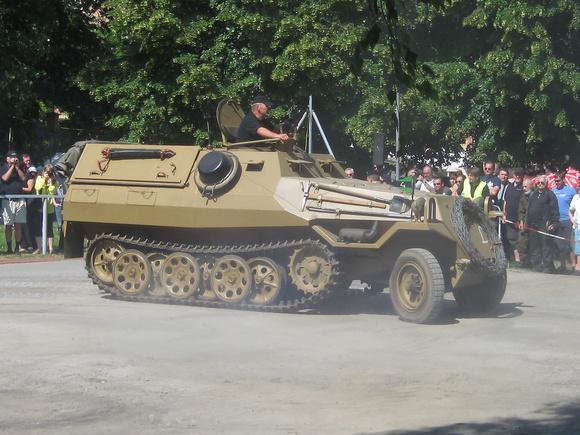 """""""155mm Self-Propelled Howitzer M109"""", """"österreichisches Bundesheer"""", """"Austrian Army"""", """"Museum of Military History Vienna"""", """"Austrian Armed forces"""" M109A2UK, """"Puch Pinzgauer""""; Pinzgauer; Pinz; """"Steyr D"""