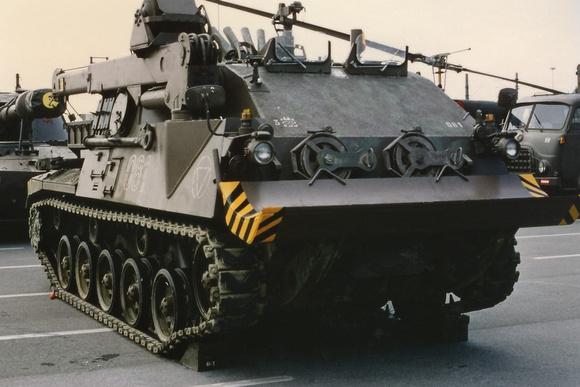 """""""Austrian Armed Forces""""; """"österreichisches Bundesheer"""";  """"Austrian Army""""; Bundesheer, ÖBH, BH, """"Bergepanzer Greif""""; Greif, Bergepanzer; """"Bergepanzer 4KH7FA-SB Greif, 4KH7FA-SB, """"rubber chevron""""; """"rubb"""