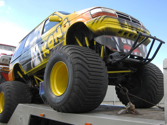 """Chrysler Voyager Monster Truck"", ""Chrysler Voyager"""