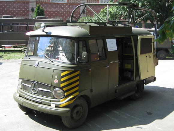 """""""Mercedes Diagnosewagen für Saab 35 OE Draken"""", """"Mercedes Diagnosewagen"""", Mercedes, """"Mercedes-Benz"""",  """"Mercedes-Benz L319, Modell 1962"""", """"Mercedes-Benz L 319"""", """"Mercedes-Benz L319 maintenance vehicle"""""""