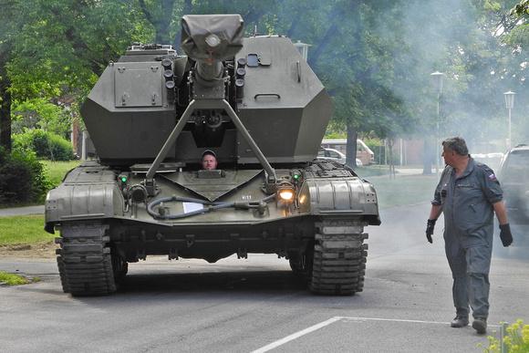 """auf Rädern und Ketten 2017"",""155mm Self-Propelled Howitzer M109"", 4K3H, APC, APC, Alvis, ""Anna Kutnyj"", ""Anna-Sophie Kutnyj"", Antennenfuss, ""Armored Personal Carrier"", ""Austrian Armed Forces"", ""Austr"